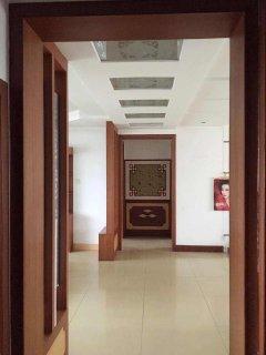 (山南)世纪花园3室2厅1卫150m²精装房