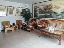 网通公司宿舍,132m²简单装修,带车库,好楼层,99万