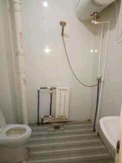 (山南)青建和泰名苑2室2厅1卫85m²简单装修1700一月