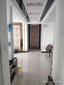天成苑3室2厅1卫134m²简单装修