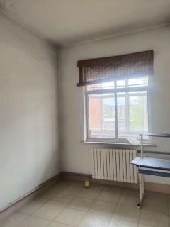 (山北)工会宿舍101平三居室带储藏室可住人证过两年75万