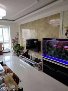 (山南)湖光山色138平精装三居室南北通透带储藏室证过110万