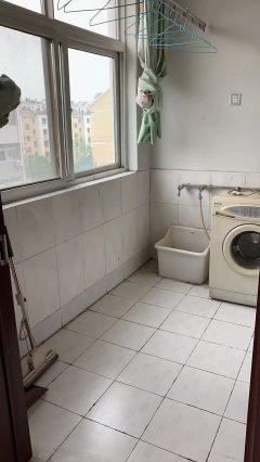 (山南)侯家豪景名苑3室2厅2卫130万138m²简单装修出售