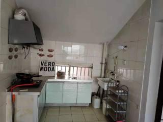 (开发区)东方明珠阁楼2室700元/月79m²简单装修出租