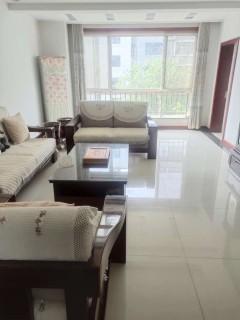 (山南)湖光山色三期3室2厅1卫142万150m²精装房出售