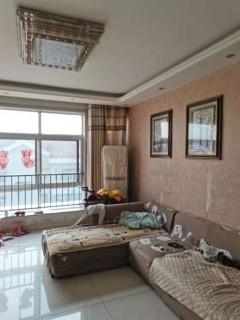 (山南)侯家豪景名苑134平多层带电梯三居室带储藏室126万
