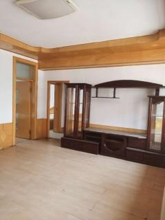 (山北)保险公司116平好楼层三居室带储藏室证过89.9万