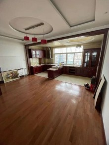 (山南)建宇三区3室2厅1卫150万196m²精装房,带车库,证过两年