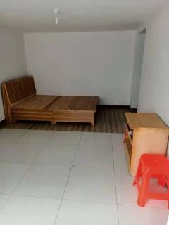山南溪河新村1室1厅1卫450元/月50m²简单装修,一年五千
